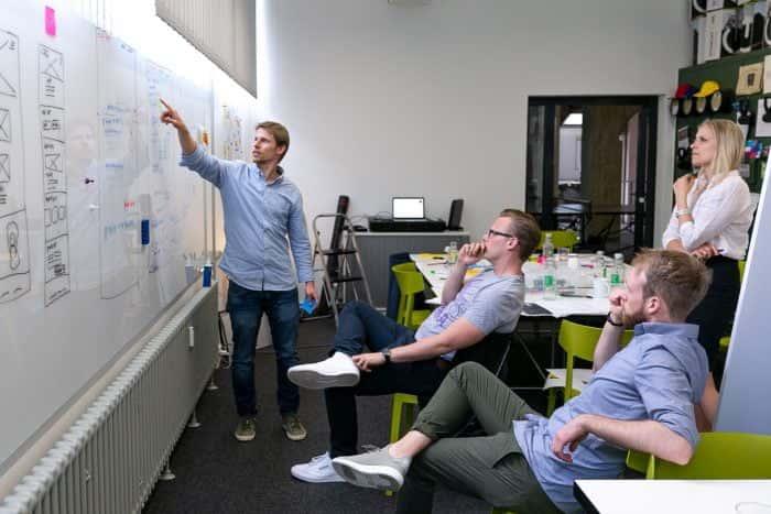 UX Designer von Me & Company arbeiten zusammen mit CWS Saftey an neuartigen Lösungen